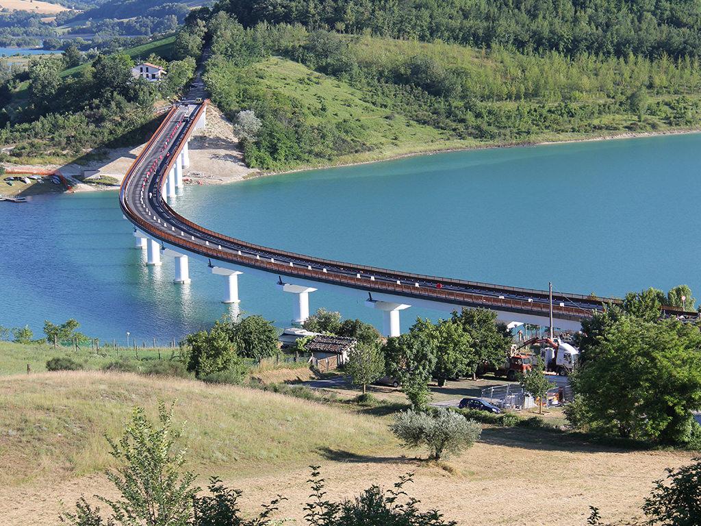 Foto aerea del Viadotto di Cingoli